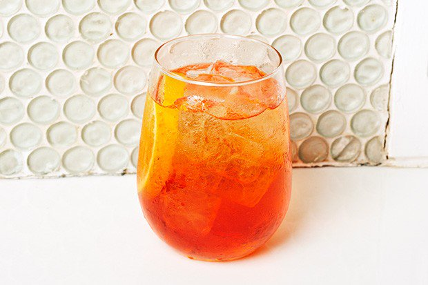 aperol-spritz-compressed